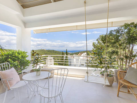 SWOPAL10272 Elegant 3 bedroom apartment with impressive sea views in Génova, near Palma