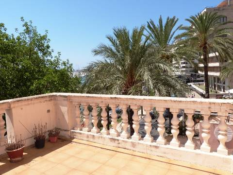 SWOPAL1080 UNIQUE, FIRST LINE DUPLEX APARTMENT TO REFURBISH IN PALMA DE MALLORCA