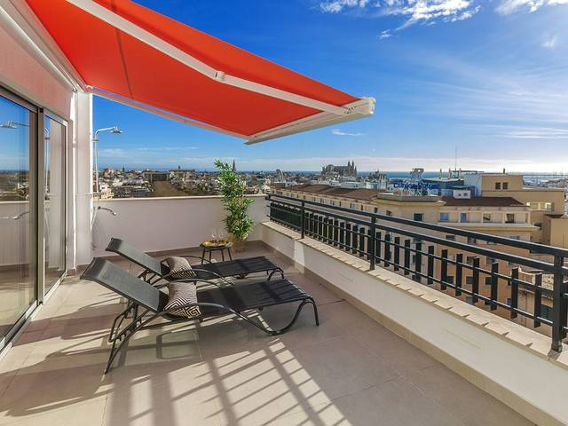 Stunning penthouse in Palma's historic old town with panoramic views over the city