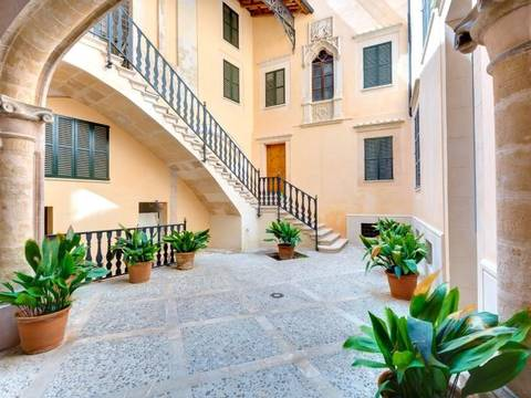 SWOPAL1565 Apartment for sale in Palma Old Town - in an elegant building completely restored