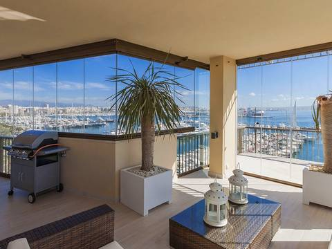 SWOPAL1640 South facing apartment for sale at the Paseo Maritimo with exceptional sea views