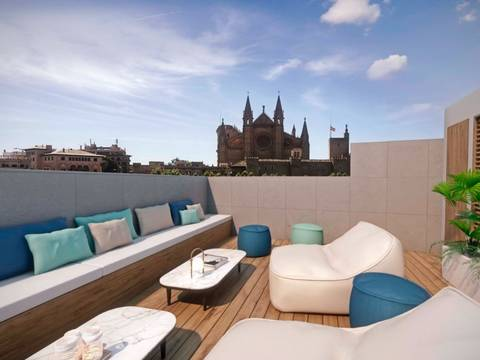 SWOPAL1772BPO Penthouse located in Palma surrounded by majestic palatial buildings full of history.