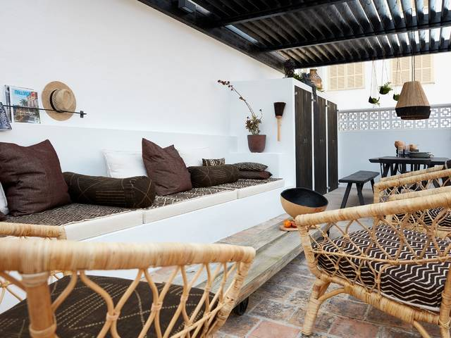 Turn-key apartment in Santa Catalina with private roof terrace