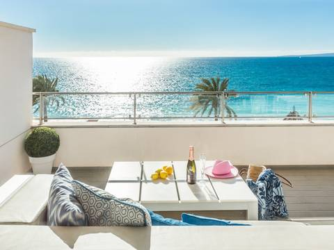 SWOPAL1972 Modern apartment with covered terrace and sea views in trendy Portixol close to Palma