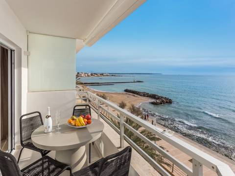 SWOPAL1976 Spacious penthouse with open terrace and private parking