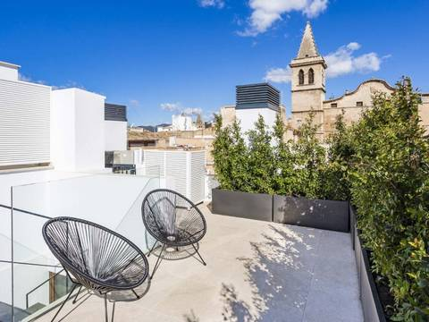 SWOPAL1977 Chic Penthouse with luxurious designer decór located in Palma's historic quarter