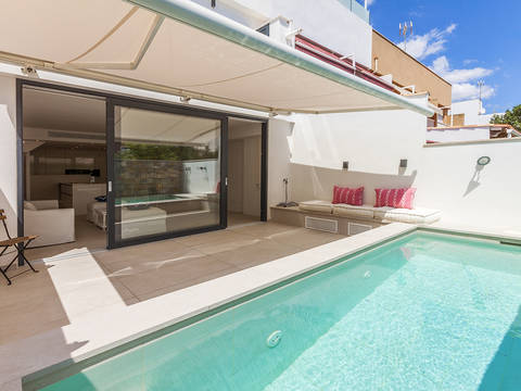 SWOPAL20170 Luxurious, reformed townhouse with pool, only a few metres away from the beach in Portixol