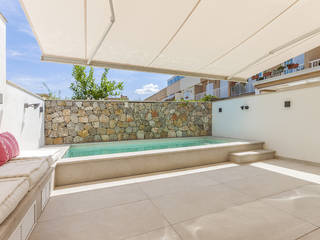 Luxurious, reformed townhouse with pool, only a few metres away from the beach in Portixol