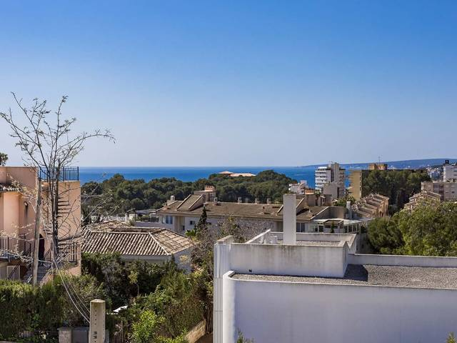 Three bedroom townhouse with views and modern interiors in Palma de Mallorca
