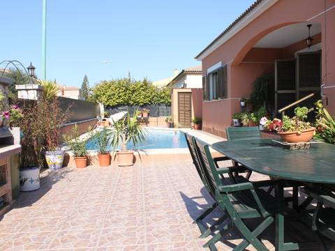 SWOPAL2167 Spacious city house with pool, terraces and garage in Marratxi