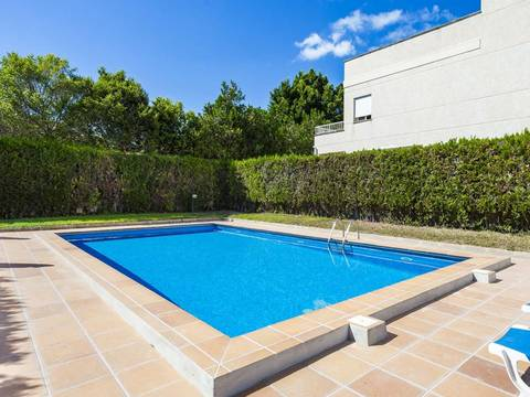 SWOPAL2174 Delightful townhouse with garage and community pool in central Palma
