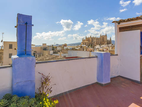 SWOPAL2227 Centrally located house needing total renovation in Palma old town