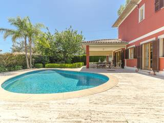 Excellent family home neighbouring the Son Quint golf course, two minutes from Palma