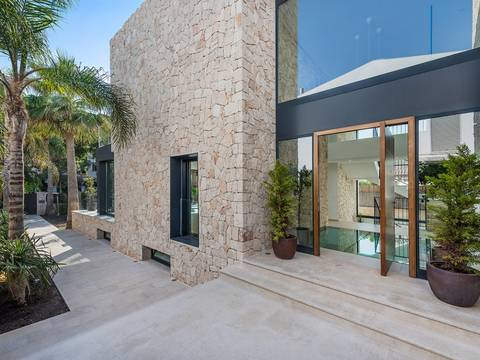 SWOPAL4770 Fabulous modern villa with indoor pool and spa in a beach area of Palma