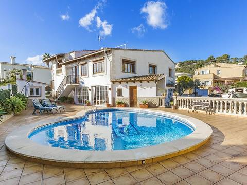 SWOPAL4915 Spacious four bedroom family villa with swimming pool for sale in Son Roqueta