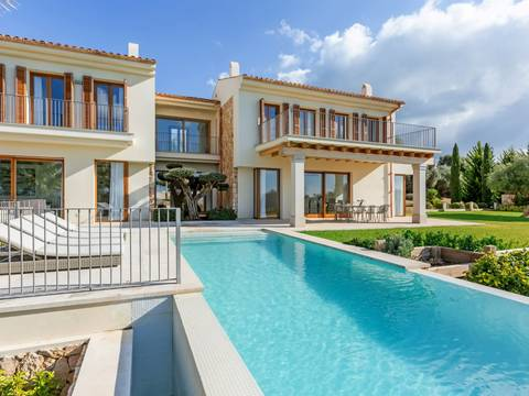 SWOPAL5107A Newly build luxury villa in a prestigious area near Palma