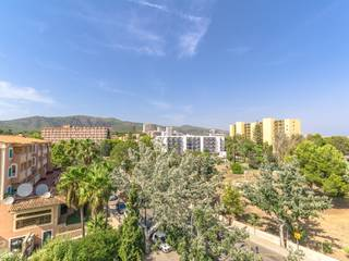 Magnificent penthouse with partial sea views in the area of Palma Nova