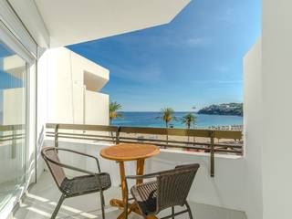 Completely renovated apartment with nice sea views