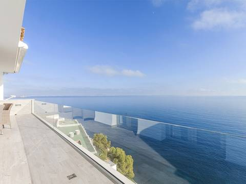 SWOPAN1816 Frontline apartment offering beautiful views in Torrenova