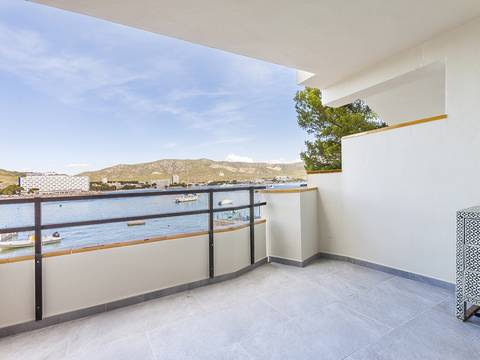 SWOPAN1872 High value furnished seafront duplex apartment in Torrenova