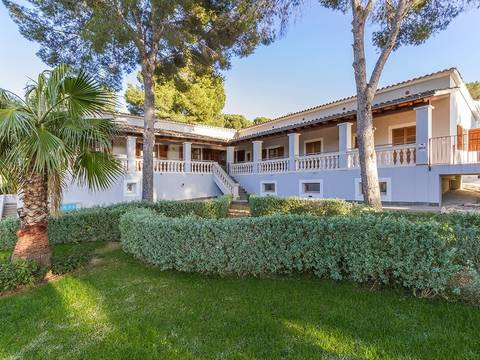 SWOPAN40053 Spacious villa with pool close to the beaches of Palma Nova