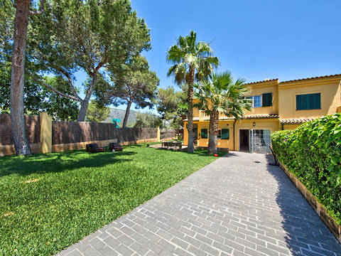 SWOPAN4691 Beautiful townhouse for sale in Palma Nova with large garden, close to the beach
