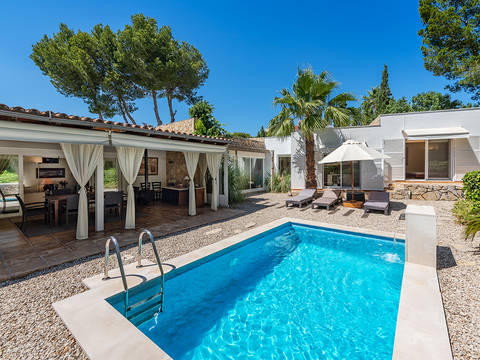 SWOPOR40088 Delightful 3 bedroom villa with private garden and pool in Portals Nous