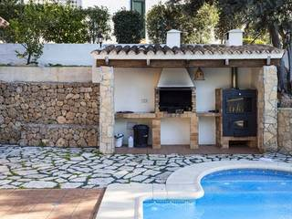 Fantastic villa within walking distance of the beach in Portal Nous