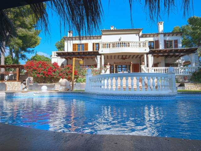 Luxury villa with large plot and high security standard for sale in Portals Nous