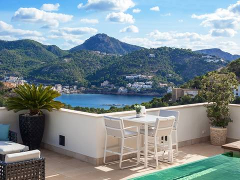 SWOPTA10242 Luxurious penthouse with sunny terrace and private pool in Puerto Andratx