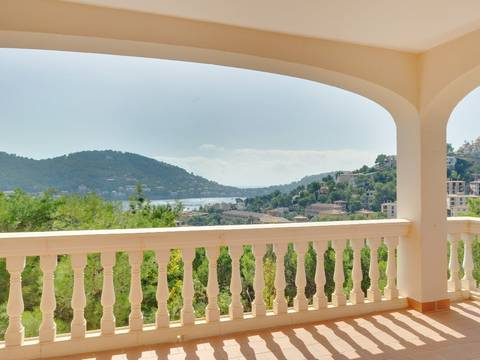 SWOPTA1027 SPECTACULAR SEA VIEW APARTMENT SITUATED IN PORT ANDRATX