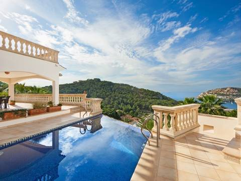 SWOPTA40024 Villa with exceptional panoramic views and infinity pool in Andratx