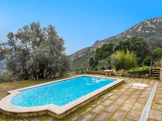 Wonderful country property with pool and panoramic views in Andratx