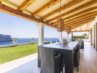 Outstanding villa with rental license and an unmatched frontline position in Puerto Andratx