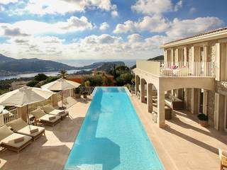 Luxurious mansion with spacious terrace areas and sea views in Puerto Andratx