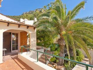 Charming villa with sea views and rental license in Puerto Andratx