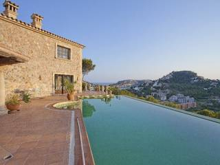 Fantastic country home for sale with 2 guest apartments in Andratx