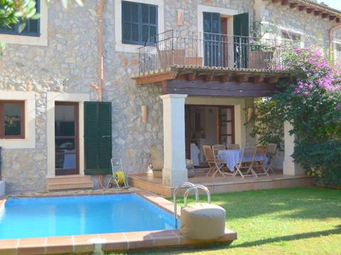 SWOPUG2058 Very comfortable house for sale in Puigpunyent with a well maintained garden
