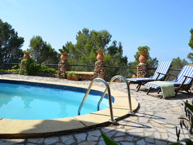 Lovely house for sale in Puigpunyent with nice views