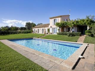 Nice villa for sale in Es Puntiró with private garden and pool