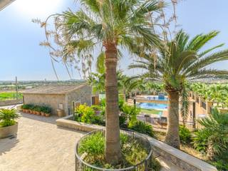 Exceptional stone built house with open views close to Palma