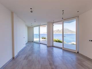New front line garden apartment with views over the blue sea in Sant Elm