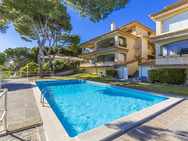 Frontline apartment in a small community with pool in Sant Elm near Puerto Andratx