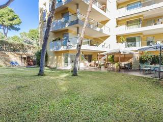 Ground floor apartment with direct access to the beach in the popular area of Sol de Mallorca
