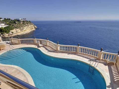 SWOSDM4821 THE IDEAL MEDITERRANEAN VILLA ON THE WATERFRONT IN SOL DE MALLORCA AND WITH DIRECT SEA ACCESS