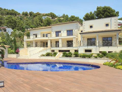 SWOSOV4213 Villa with stunning views for sale in Son Vida, Mallorca