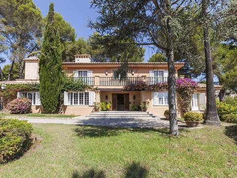 SWOSOV4658 Beautiful south facing villa with pretty gardens in Son Vida