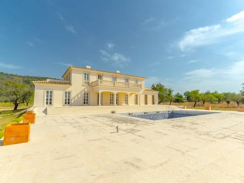 SWOSTM4620 Outstanding country home with own helipad in the outskirts of Santa Maria
