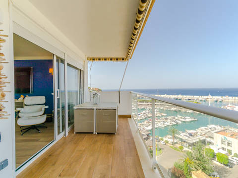 SWOTOR1736 Beautiful penthouse with sea view