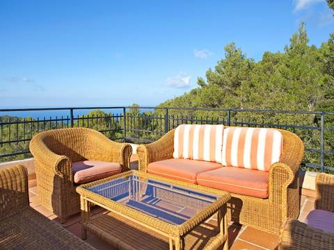 SWOVAL5046 Exclusive villa for sale in Valldemossa - with lots of privacy, charming pool and stunning sea views